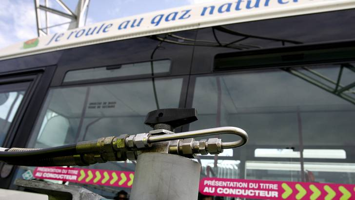 Bus charging and refuelling infrastructure lacking, warn