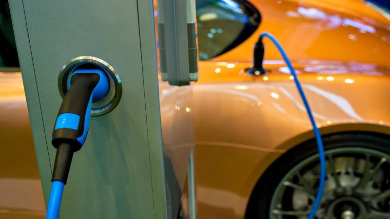 Insufficient support for electric vehicle charging infrastructure hampers uptake, new report shows