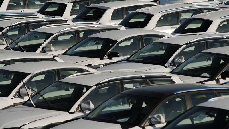 Passenger car registrations: -3.3% first quarter of 2019; -3.9% in March
