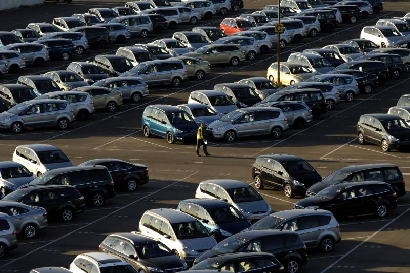 Passenger car registrations: +8.2% in the first half of the year; +14.6% in June