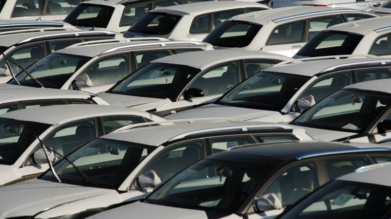 Passenger car registrations: +8.4% first three months of 2017; +11.2% in March